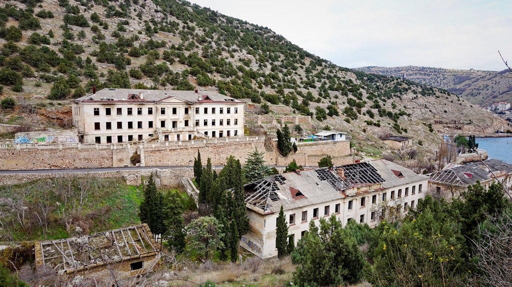 Заброшенная военная база в Балаклаве